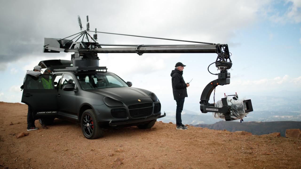 ポルシェの自宅で楽しめる趣味講座 第5回「身近な機材で愛車の映像作品を撮ってみよう」【動画】