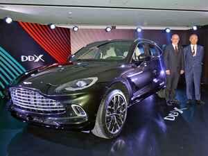 アストンマーティンが初のSUV「DBX」を発表。早くも日本で実車をお披露目!