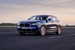 BMW X2にPHVモデルが追加! 電気で57km走れるエコSUVは邦貨約556万円から