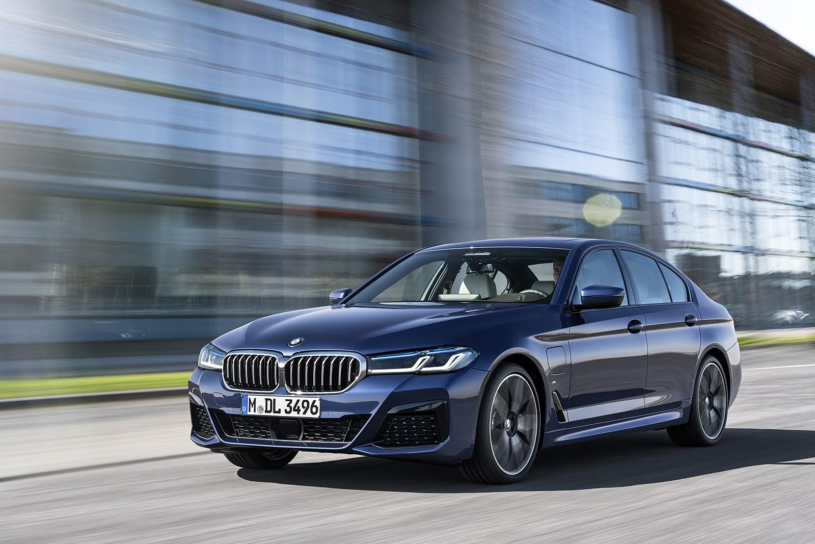 BMW5シリーズが本国でマイナーチェンジ 外装の変更&装備が進化