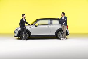 MINIは将来どこへ向かうのか。デザインとサウンドの開発責任者が語る小型車のアイコンのこれから
