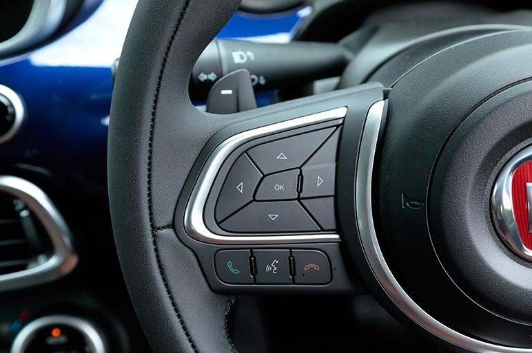 マイチェン版フィアット500Xは静かな新エンジンとパワー感がほどよい動けるぽっちゃりさん