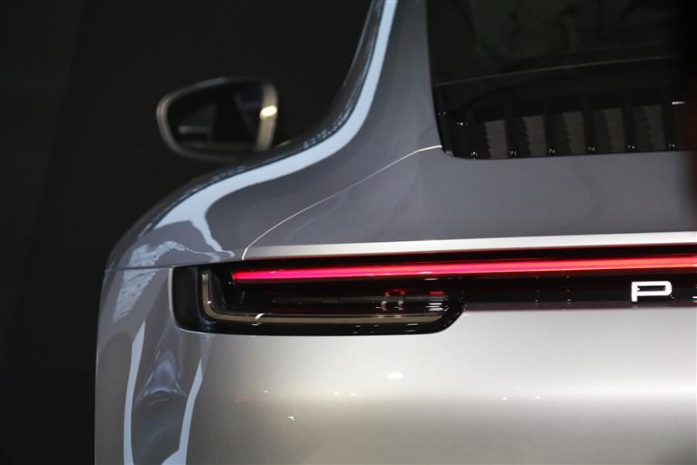 7月5日発売。新型ポルシェ 911の進化は見た目の違いよりも意外と多いようです