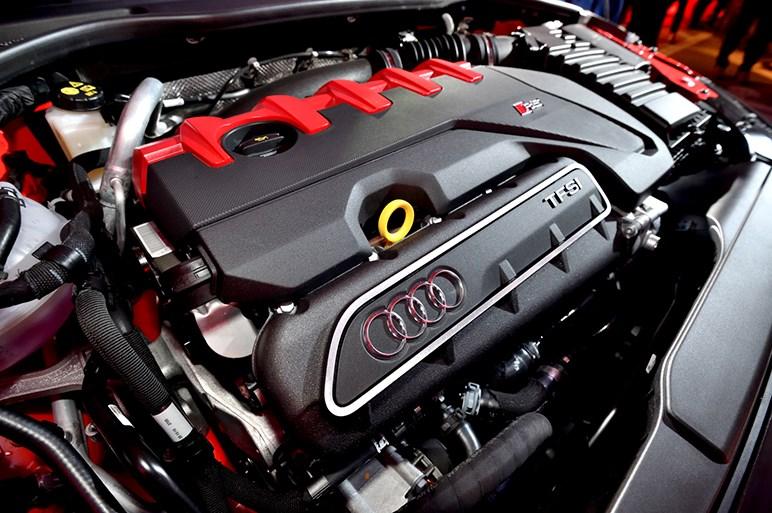 アウディ スポーツの新型R8 スパイダー、TT RS、RS 3 セダンを日本初披露
