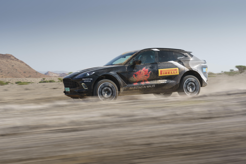 上質な走りを楽しめるスーパーSUVとは? アストンマーティン DBX プロトタイプ試乗記