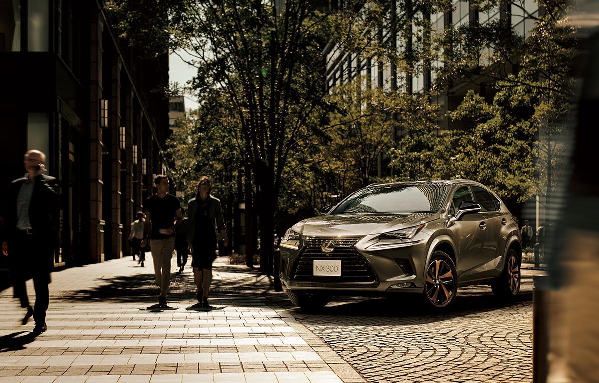 レクサスの人気コンパクトSUV「NX」&「UX」に色をテーマにした特別仕様車を設定