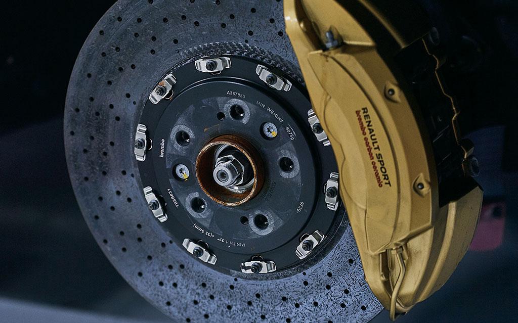 """""""ニュル""""のFF最速モデル、「ルノー・メガーヌR.S.トロフィーR」の日本向けは合計51台!"""