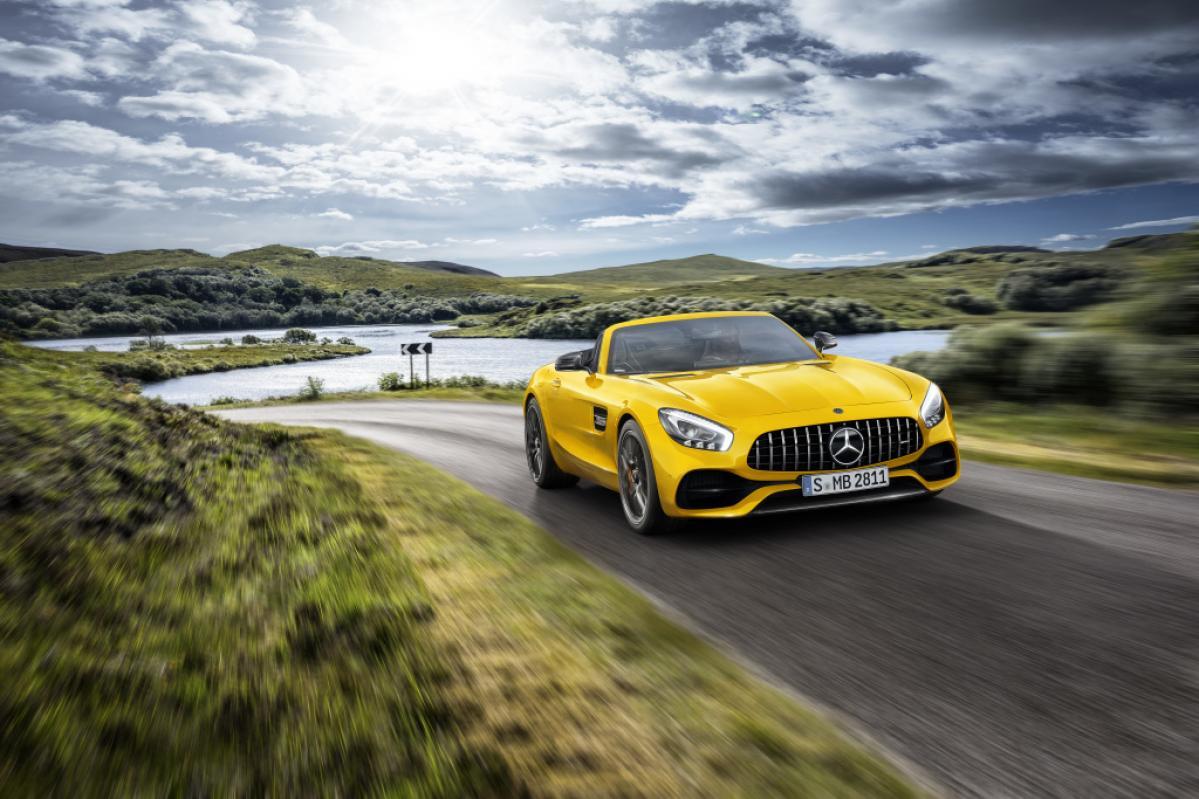 AMG GTファミリーが充実! 標準モデルと高性能モデルの中間を埋める「AMG GT Sロードスター」が新たに仲間入り