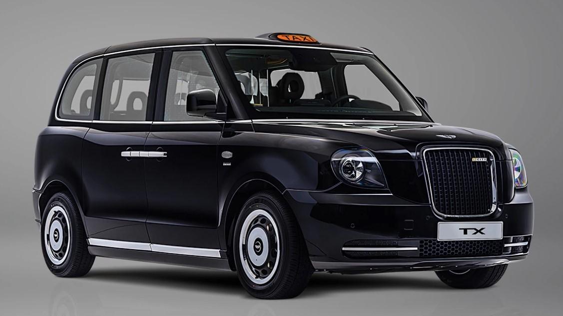 車いすでも乗降しやすいスライド式スロープも装備!LEVCがロンドンタクシーの電動化モデル「TX」を発売