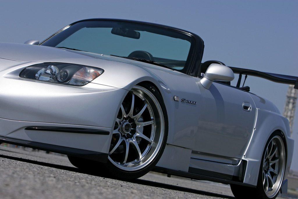 「あのS2000 GT1が現代に蘇る!?」新作R1チタンエキゾーストを含めて東京オートサロン2020で発表予定!