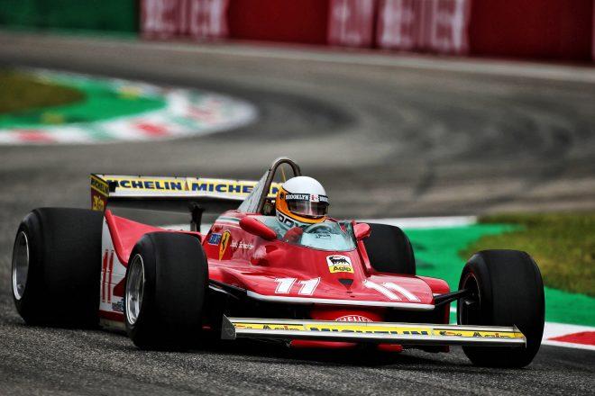 F1が南アフリカでファンイベントを開催。ジョディ・シェクター登場、レッドブルがデモ走行