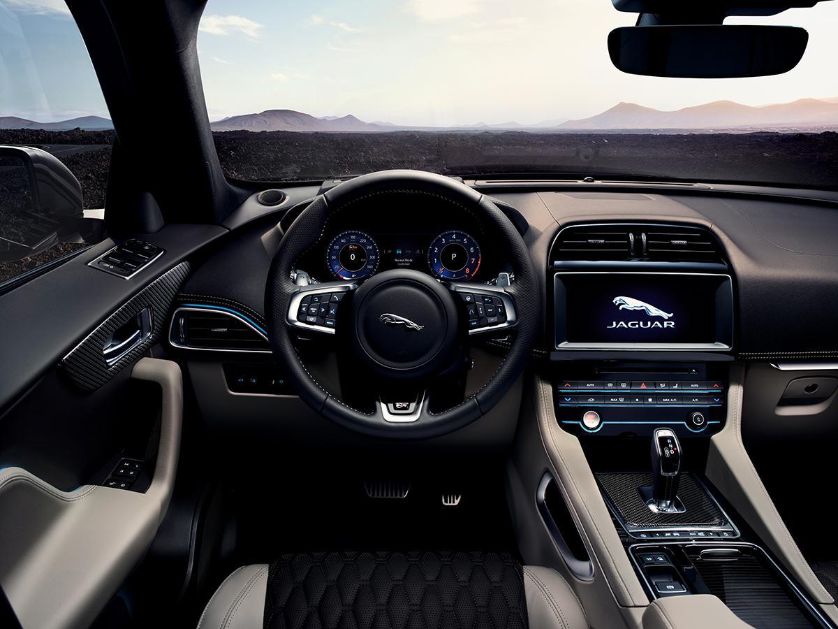 ジャガーF-PACEの2019年モデルが登場! 高性能モデル「SVR」も追加設定