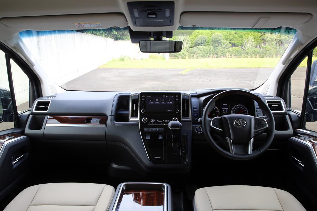 VIP御用達は間違いなし! 年内発売予定のトヨタ・グランエースが初披露【東京モーターショー2019】