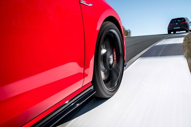 ゴルフGTIに290psのさらなるスポーティ仕様GTI TCR、本国で発表