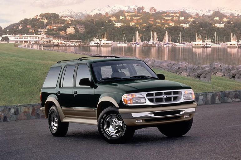 米フォード、新型エクスプローラー初となる高性能版STを発表  ハイブリッドの設定も