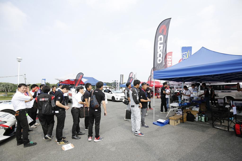 GRガレージをはじめトヨタディーラー各社のスタッフがチューニングパーツを真剣に学ぶ! ディーラーで機能パーツ装着する流れは加速する!?