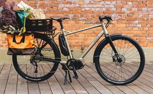 ライフスタイルに溶け込むデザインと機能性を持つ電動アシスト自転車FUJI「FARPOINT」