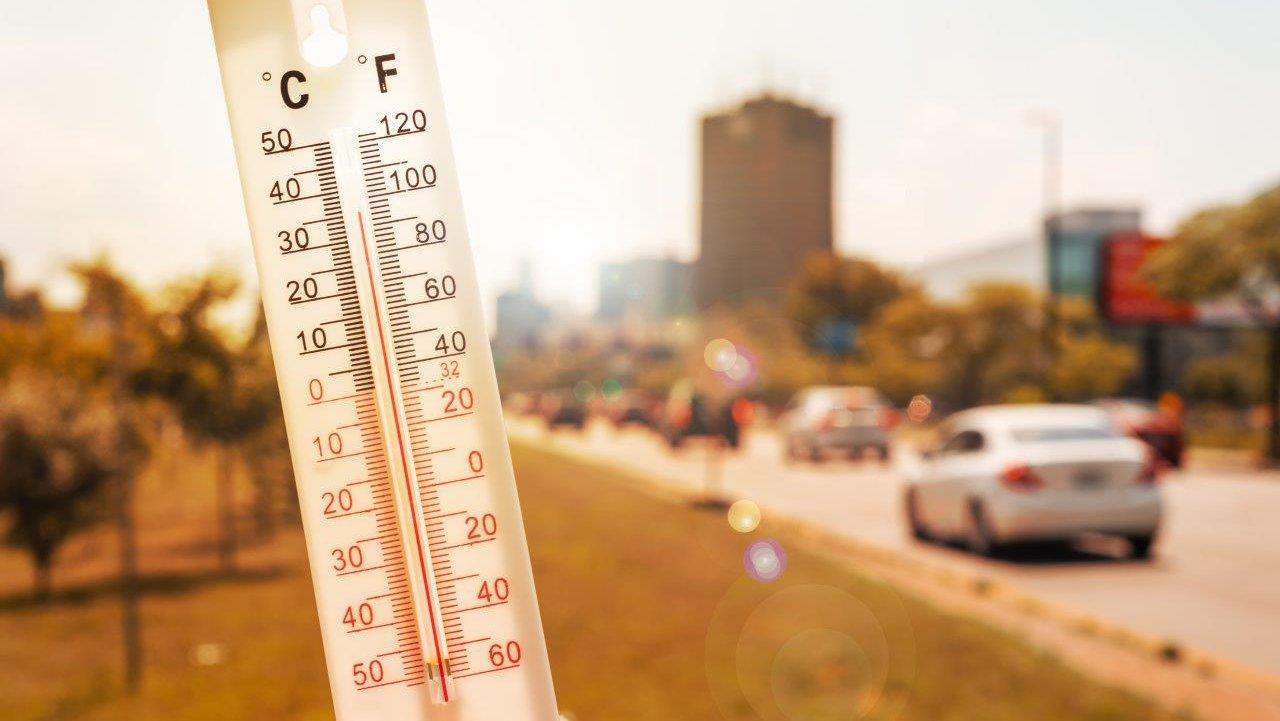 ドアを開けたらそこは灼熱地獄!! 暑い車内 早く冷やすにはどうすればいいか!?
