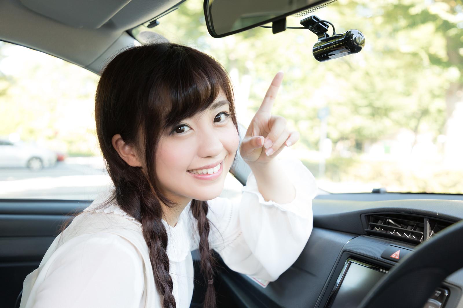 意外と多い!?クルマの運転支援機能が作動したことがある人は約7割、半数以上が駐車時に作動