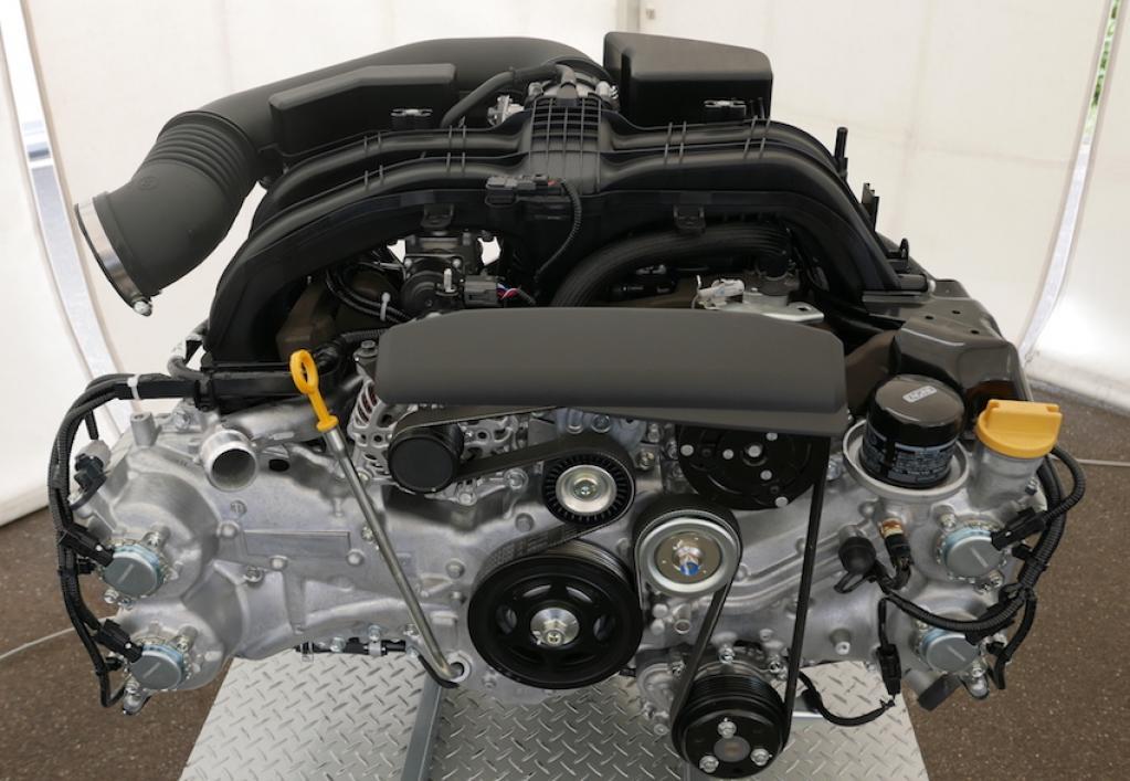 ほぼ新設計の2.5ℓ水平対向4気筒。新型フォレスターのエンジンは、2.5ℓNAと2.0ℓのe-BOXERのどちらを選ぶ?