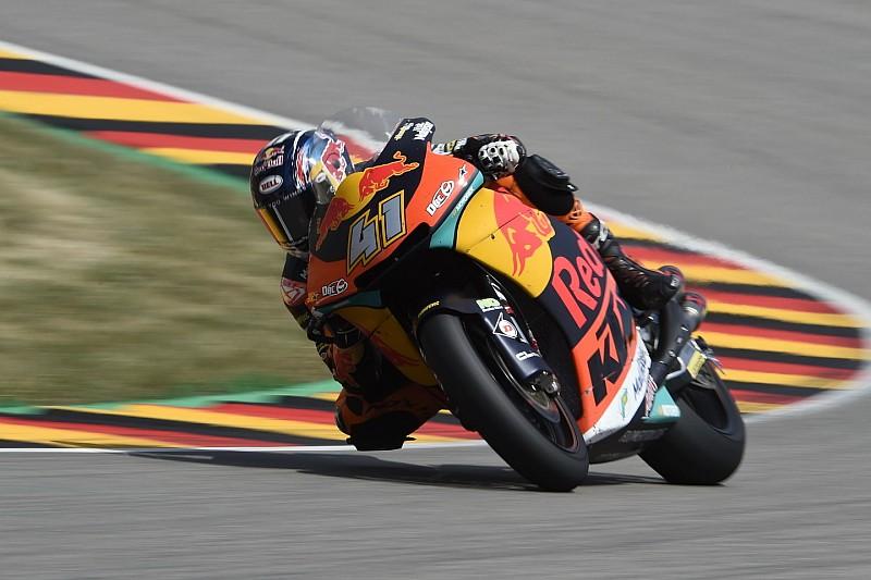 Moto2ドイツ決勝:ブラッド・ビンダーが嬉しいクラス初優勝。オリベイラは追い上げ4位