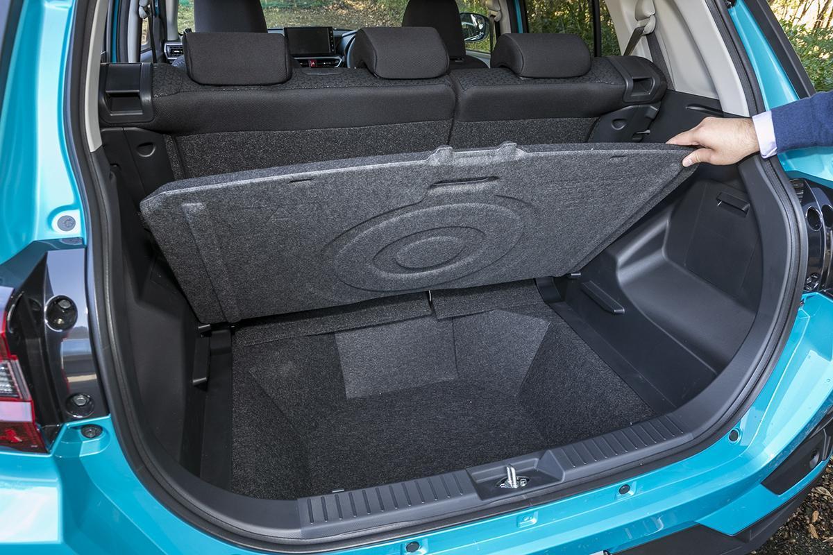 【ただの定番小型SUVじゃない?】ダイハツ・ロッキー&トヨタ・ライズが想定外の人気を集める影で突いた意外な盲点とは