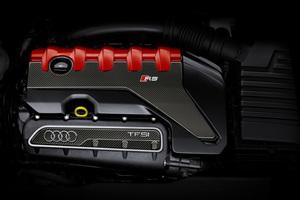 アウディ「2.5 TFSI」エンジンが「インターナショナル エンジン オブ ザ イヤー」9年連続受賞
