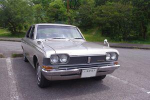 旧車愛好者なら一度は夢見る1桁ナンバー「初期型MS50クラウン」のオーナー赤倉さんにインタビュー