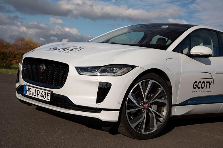 今年世界の自動車賞を獲りまくるジャガー Iペイスはどこが評価されているのか?