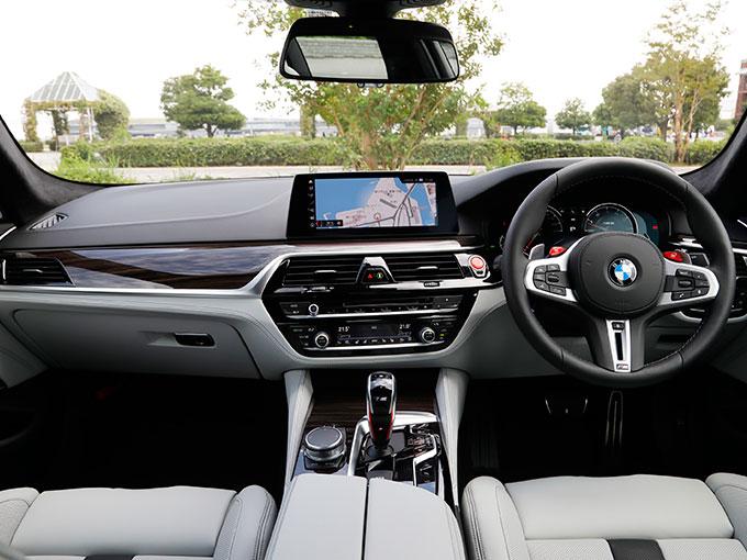 【試乗】新型 BMW M5 Competition|サーキットでもロングドライブでも高次元の歓びを実現させるスポーツセダン