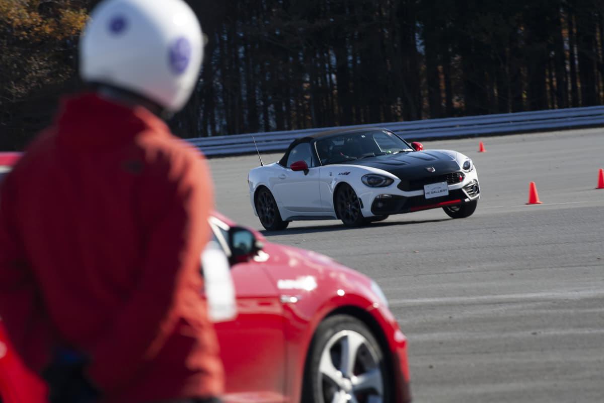 「クルマの限界」を知り安全技術を体得!プロドライバーが伝授する「大人の自動車教習所2.0」を体験