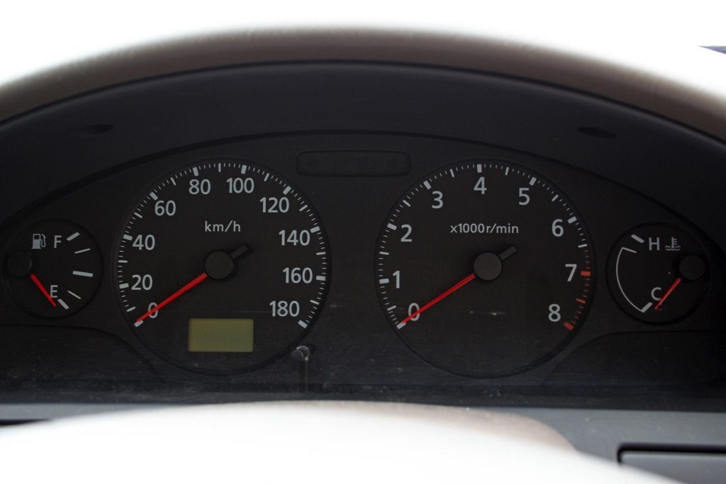 「A33で唯一5速MTが設定されたエクシモ」MTで乗るVQ20のフィーリングに悶絶!【ManiaxCars】