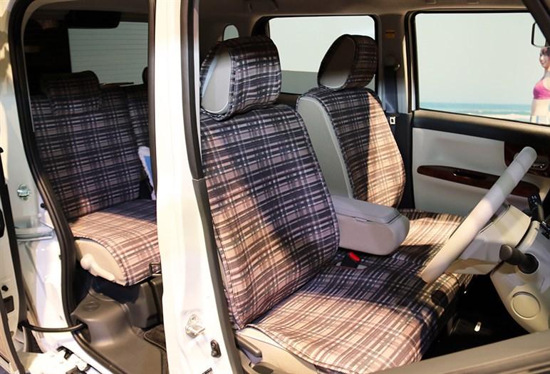新型軽のムーヴ キャンバス発売。両側スライドドア採用のハイトワゴン