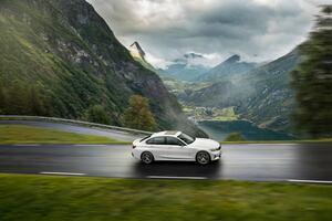 BMW、マイルドハイブリッドモデルを3シリーズに展開。他モデルへも続々新ユニットや装備追加を実施!