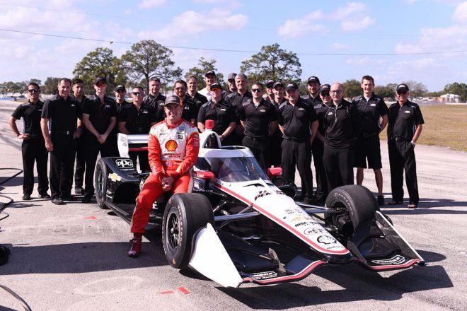 オーストラリアスーパーカー王者がインディカーをテストドライブ「首がねじ切れそう」