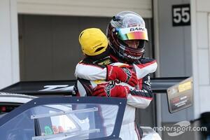 スーパーGT第3戦鈴鹿GT300 11号車ゲイナーGT-Rが優勝。大荒れとなったレースを戦い抜き、涙の今季初優勝
