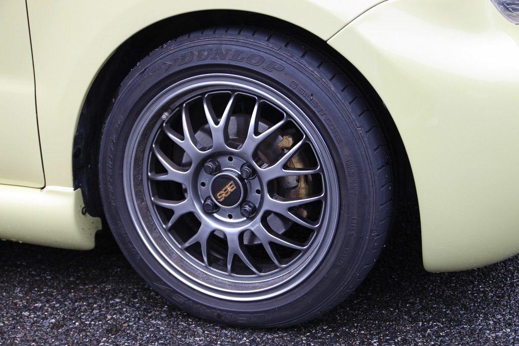 「シルビア以上の加速性能を持つムーヴラテ!?」110馬力の強心臓と5速MT化で速さを追求した異端チューンド!