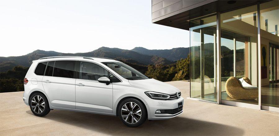 VWゴルフ トゥーランに特別仕様車を設定して500台限定販売