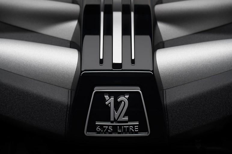 ロールス・ロイスが手掛ける初のSUV・カリナンを発表会場でチェックした