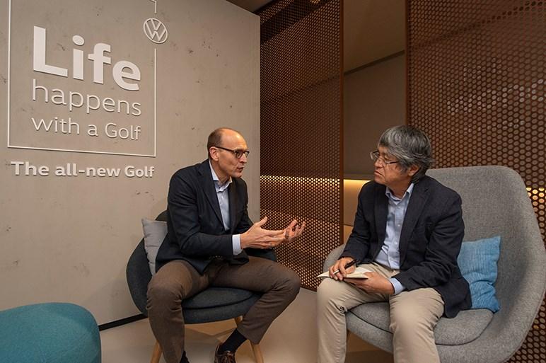新型ゴルフは走行性能やデジタル環境がさらに高まった。装備充実グレードは400万円台