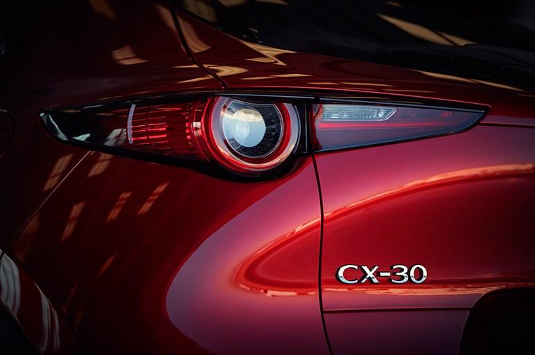 マツダが新型コンパクトSUV「CX-30」を発表。次世代ボディを採用したCX-3のファミリー版