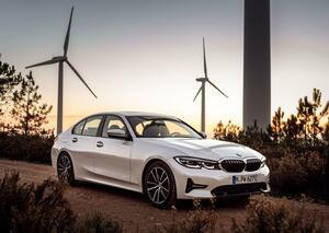 BMWがジュネーブ・モーターショー2020の出展概要を発表! 3シリーズのプラグインハイブリッド車「330e xDrive」を世界初公開