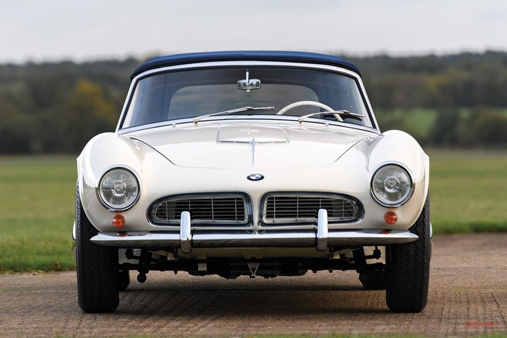【BMWに、2.4億円】注目車のフェラーリ/ジャガーは流札 仏レトロモビルとともにオークション開催
