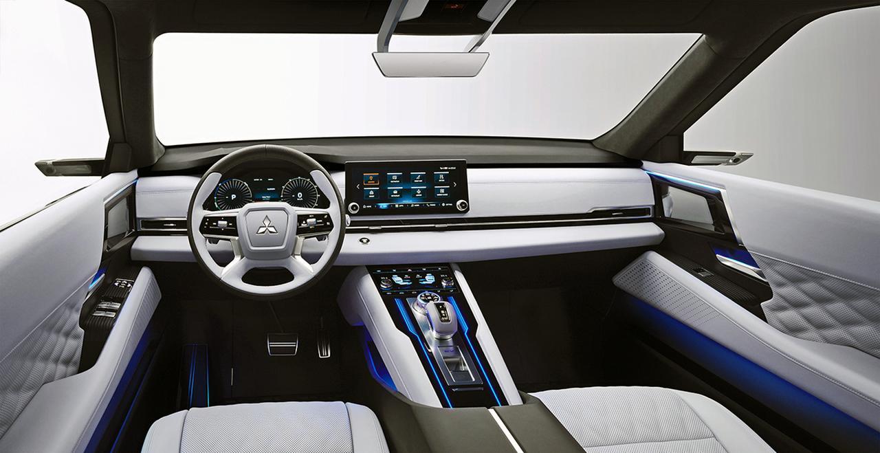 三菱自動車がコンセプトカー「エンゲルベルグ・ツアラー」などを世界初公開【2019ジュネーブショー】