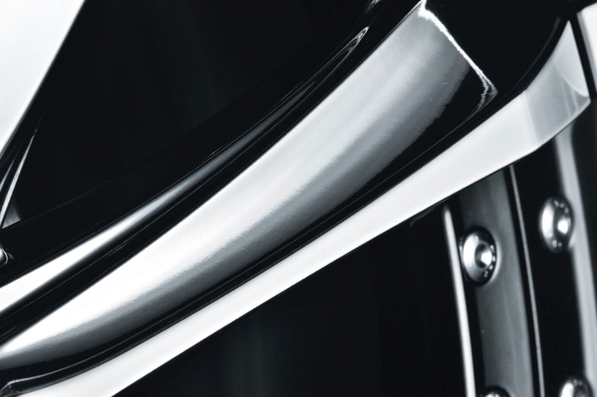 平成最後の新型クレンツェ [22インチホイール] を ソッコーでトヨタ・ヴェルファイアに装着してみた