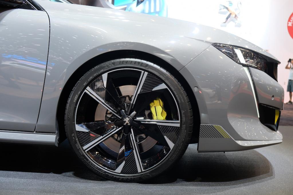200ps+110ps+200ps! プジョーのAWDハイブリッドスポーツ「508プジョー・スポール・エンジニアード・コンセプト」登場!