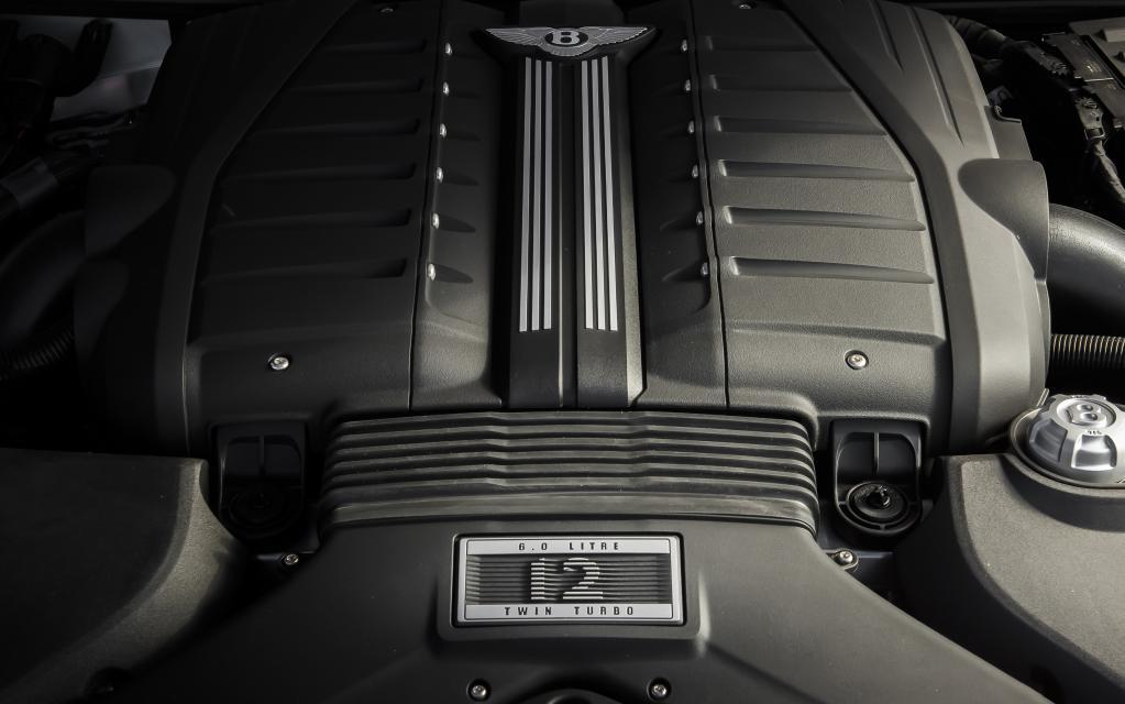 スーパーSUVのベントレー・ベンテイガ・スピードの最高出力は635ps!【ジュネーブ・ショー2019】