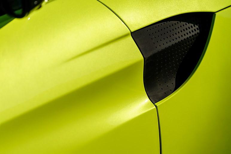 アストンマーティン、新型ヴァンテージ発表。AMG製4.0L V8ターボ搭載
