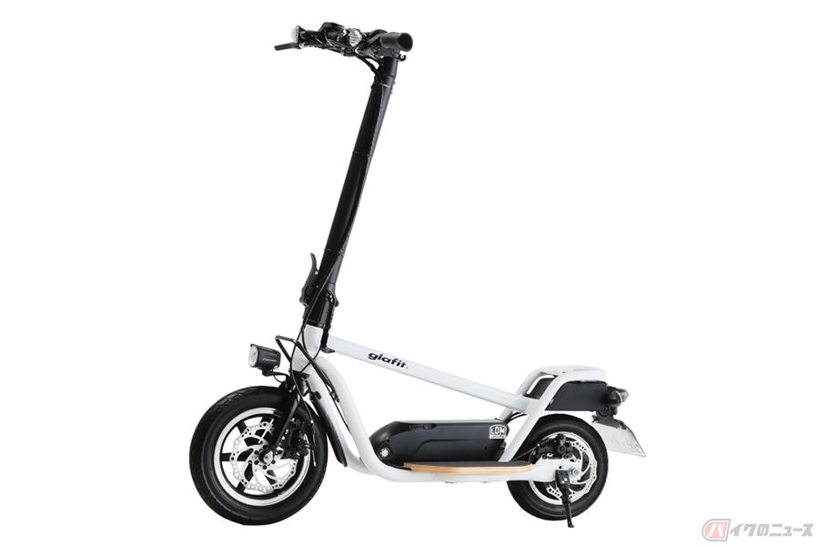 立ち乗りのスクーター? 新感覚の電動モビリティ「X-SCOOTER LOM」登場