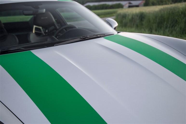 「911 R」に超速試乗。すべてを削ぎ落とした公道レーサーの実力は?